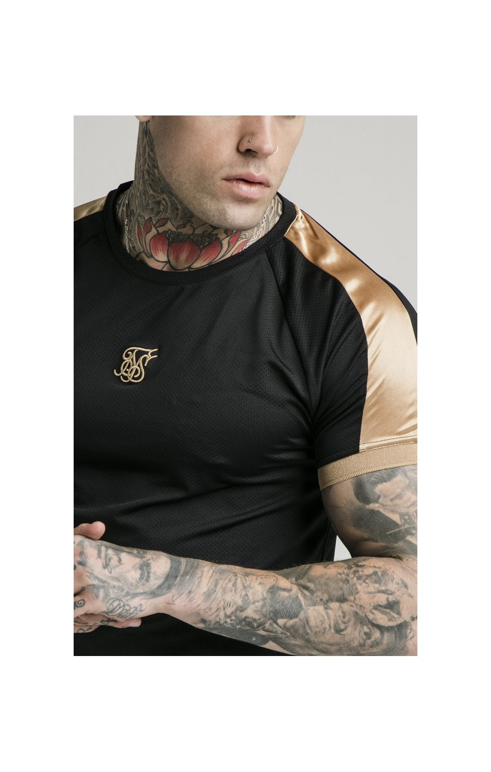 SikSilk S/S Inset Cuff Tech Tee – Black & Gold