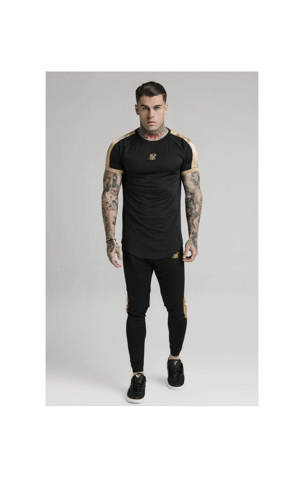 Load image into Gallery viewer, SikSilk S/S Inset Cuff Tech Tee – Black & Gold (1)