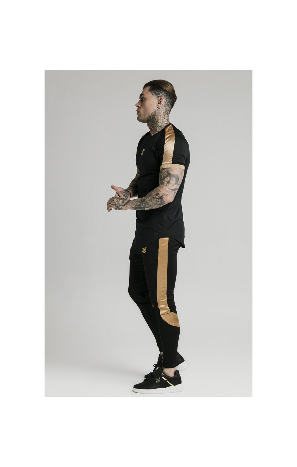 Load image into Gallery viewer, SikSilk S/S Inset Cuff Tech Tee – Black & Gold (2)