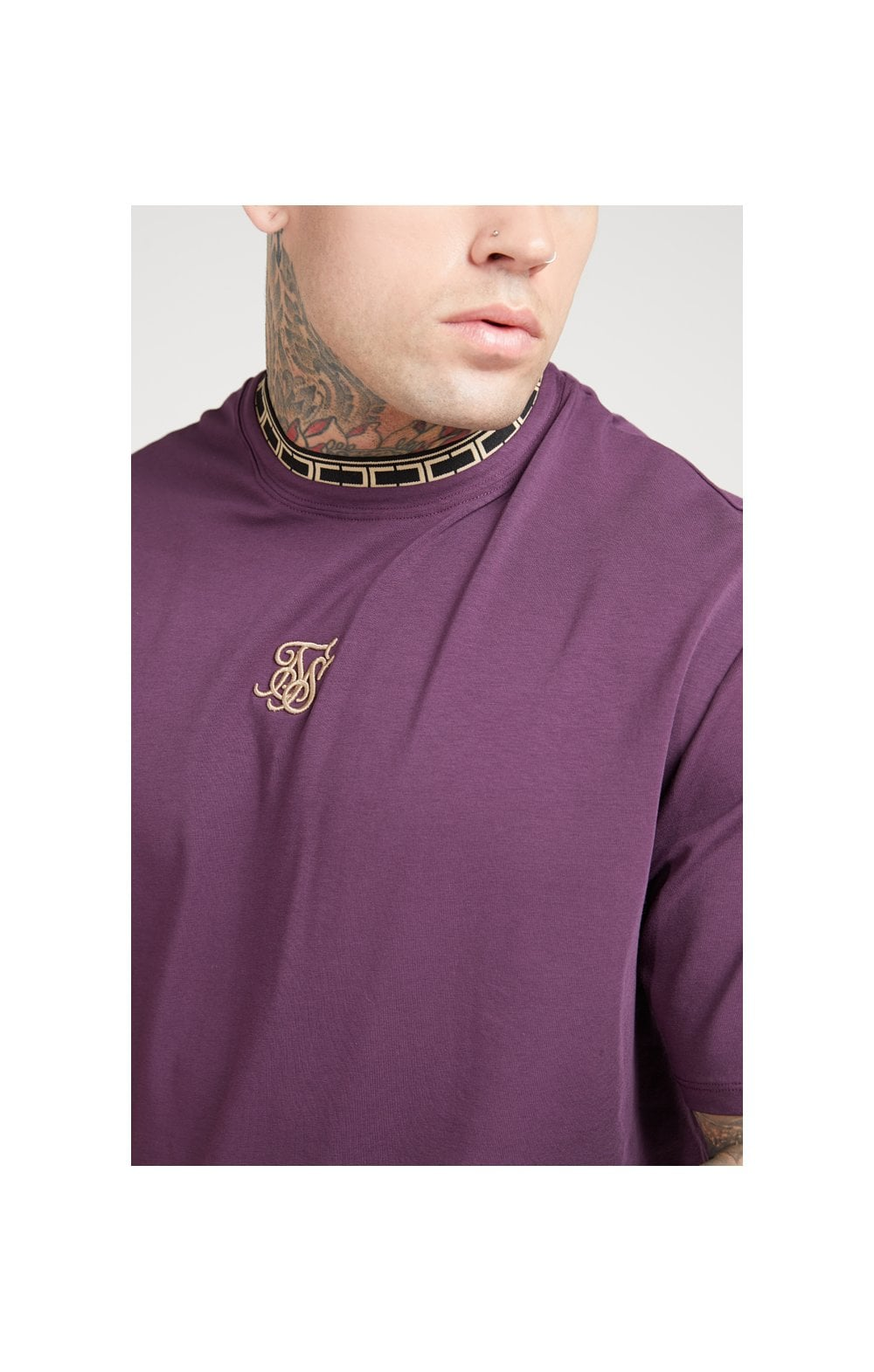 Load image into Gallery viewer, SikSilk Tape Collar Essential Tee - Burgundy & Gold