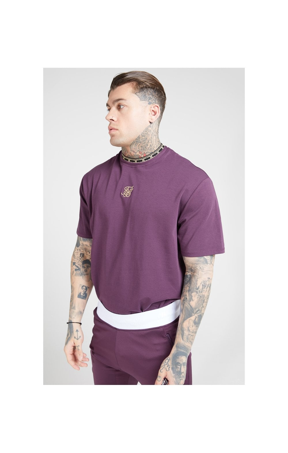 Load image into Gallery viewer, SikSilk Tape Collar Essential Tee - Burgundy & Gold (1)