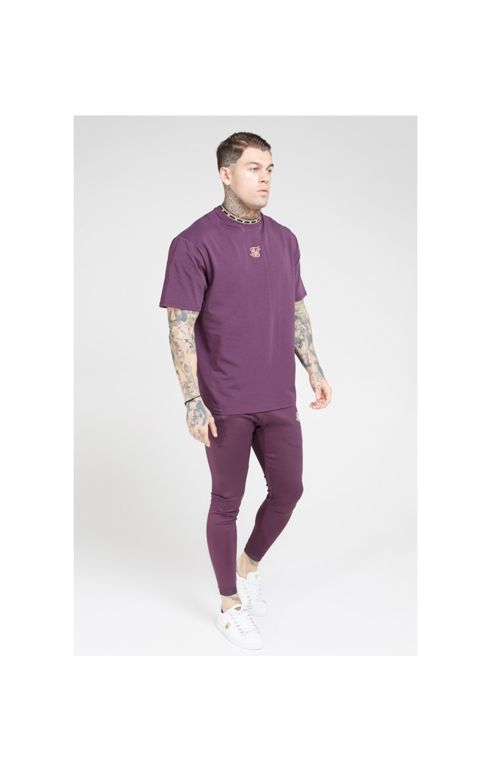Load image into Gallery viewer, SikSilk Tape Collar Essential Tee - Burgundy & Gold (4)