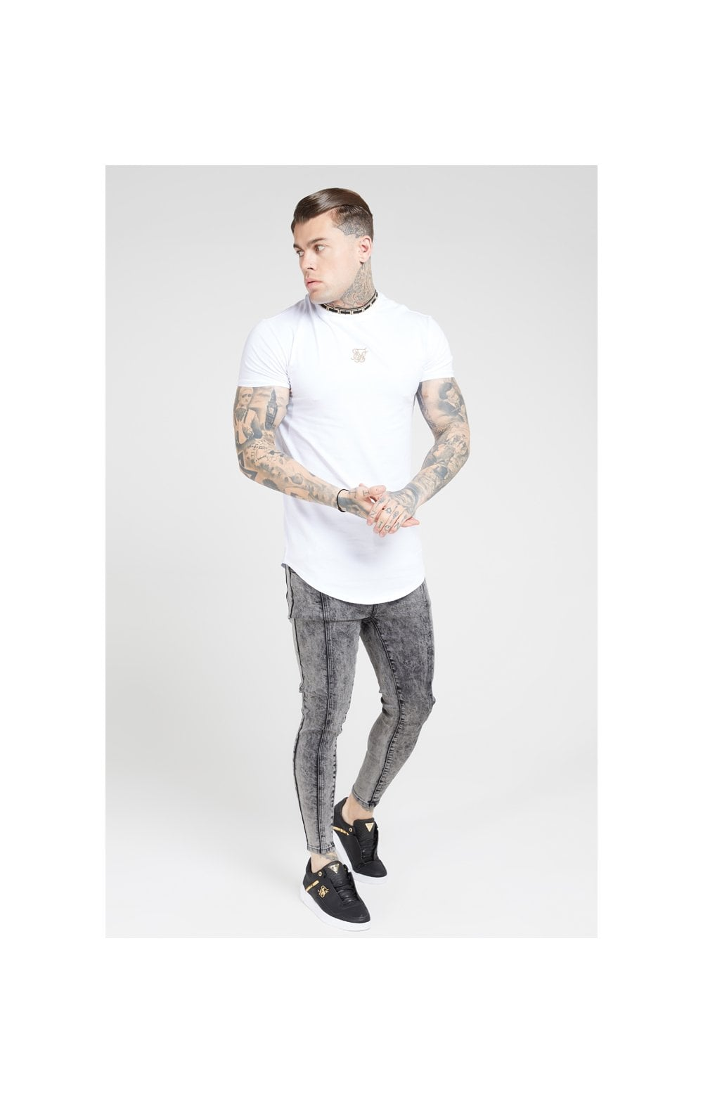 Load image into Gallery viewer, SikSilk Pleated Drop Crotch Denims – Snow Wash (3)