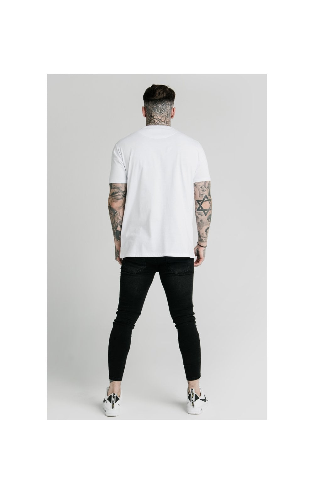 Load image into Gallery viewer, SikSilk x FaZe Apex Standard Square Hem Tee - White (6)