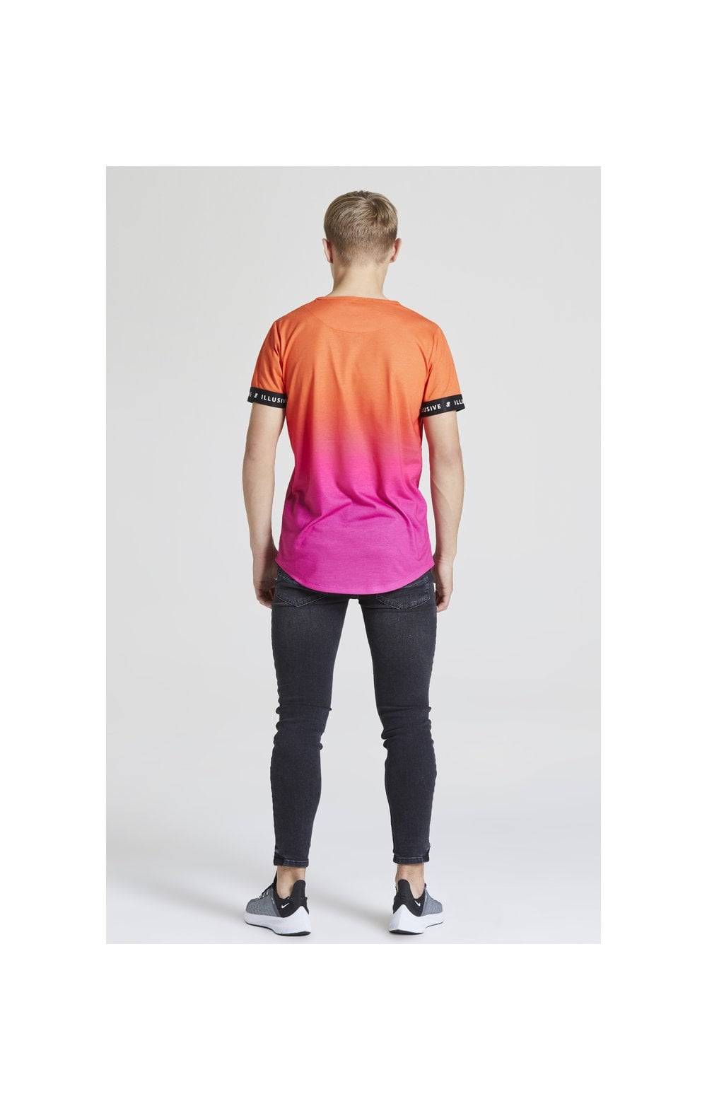 Illusive London Fade Tech Tee - Orange & Pink (4)