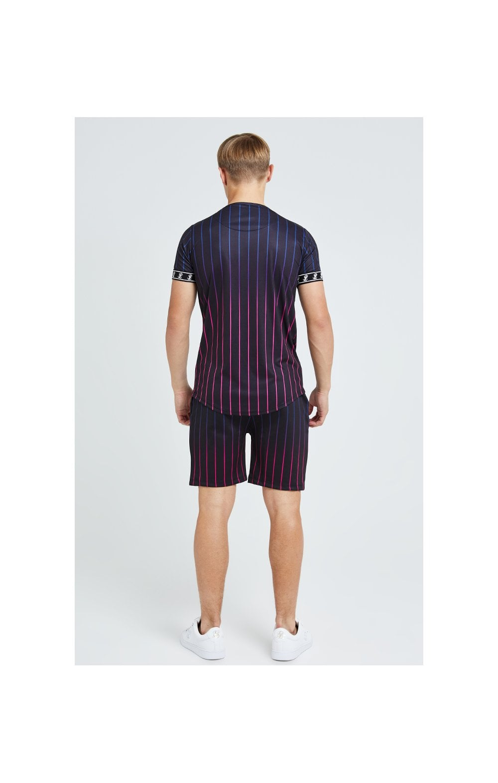 Illusive London Fade Stripe Shorts - Black (7)