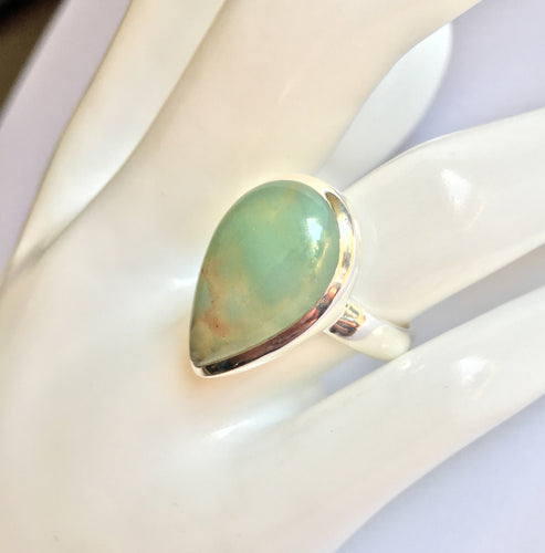 Aqua Chalcedony Ring in pear shape in ring size 8.5