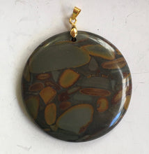 Load image into Gallery viewer, Bamboo Stone Pendant