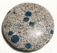 Load image into Gallery viewer, K2 Palm Stone Azurite in Granite