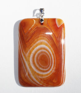 Caramel-Colored Dragon Veins Agate pendant with vortex AA+