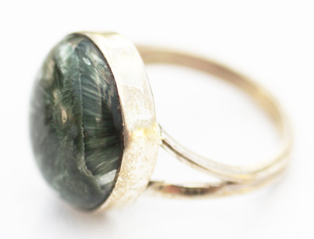 Siberian Seraphinite Round Cabochon Size 7 Ring - stone of angels and joy