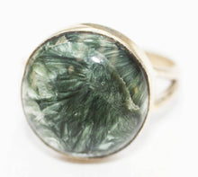 Load image into Gallery viewer, Siberian Seraphinite Round Cabochon Size 7 Ring - stone of angels and joy