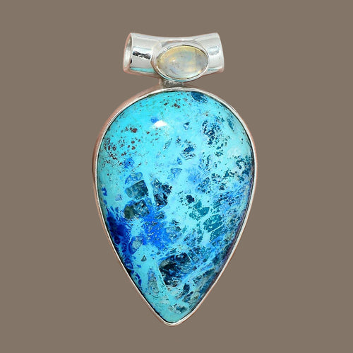 Shattuckite Pendant in petal shape with Moonstone accent in Sterling Silver