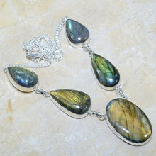 Load image into Gallery viewer, Spectrolite Labradorite Pendant Necklace