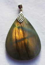Load image into Gallery viewer, Labradorite Pendant pear shape with silver bail