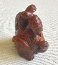 Load image into Gallery viewer, Turtle Bead Boxwood Netsuke Bead called Turtle Ride
