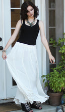 Load image into Gallery viewer, Tienda Ho White Cotton-Rayon Moroccan Skirt in Swich Design