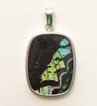 Load image into Gallery viewer, Butterfly Wing Pendant Green Banded Urania Leilus Medium Rectangle