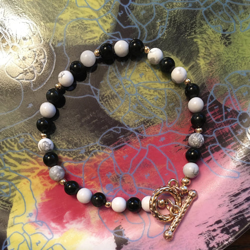 Howlite and Obsidian 6.5mm Round Bead Bracelet 8-1/2