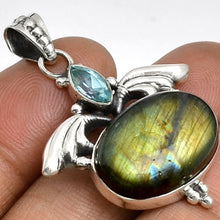 Load image into Gallery viewer, Labradorite Pendant with Blue Topaz