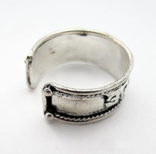 Load image into Gallery viewer, Om Mani Padme Hum Man's Adjustable Ring Hand-Made White-Brass Ring