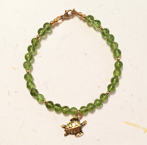 Peridot Bracelet with Sea Turtle Charm - August Birthstone Bracelet