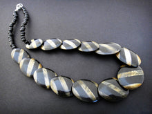 Load image into Gallery viewer, Zebra Stripe Horn Bead Necklace