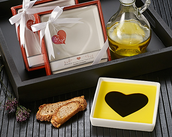 Love Infused Olive Oil and Balsamic Vinegar Dipping Plate Favor - ArtisanoDesigns