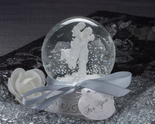 "Load image into Gallery viewer, ""Forever In Love"" Couple Snow Globe Favor - ArtisanoDesigns"