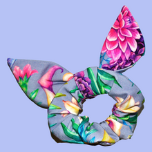 Load image into Gallery viewer, Hummingbird Scrunchie