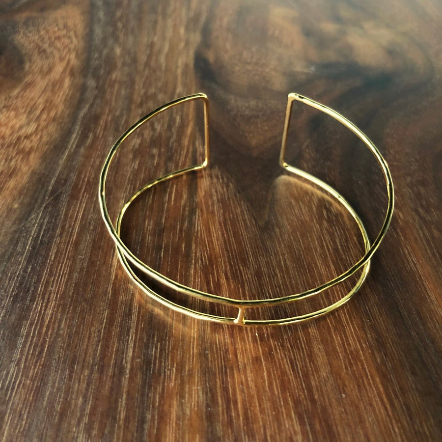 open tapered cuff