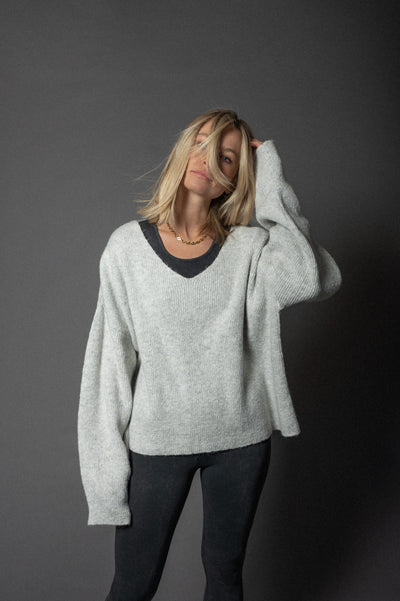 Suna OV Knit Sweater Light Grey