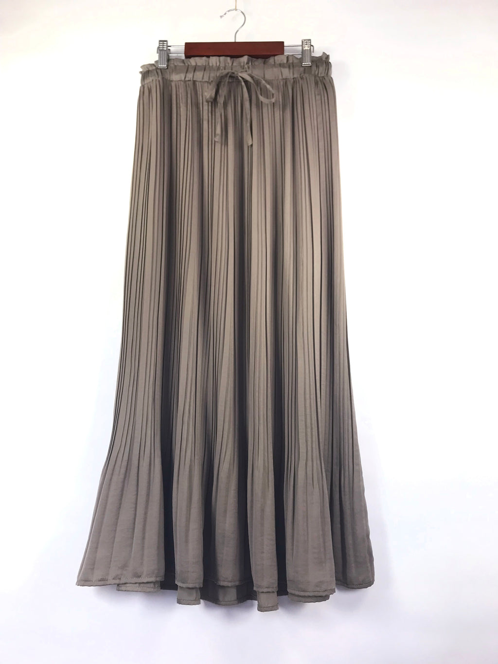 Soft Sway Pleated Midi Skirt