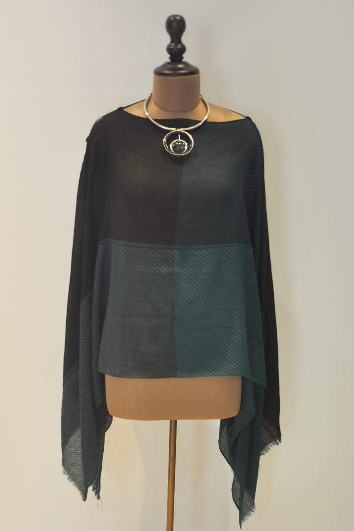 Block Cape Top- Green and Black
