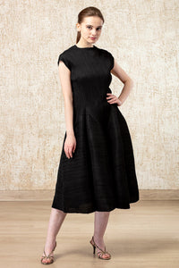 Twirl Dress- Black