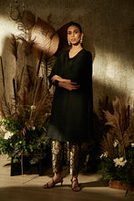 Load image into Gallery viewer, Elegant Pleated & Brocade Tunic Set - Jade Black