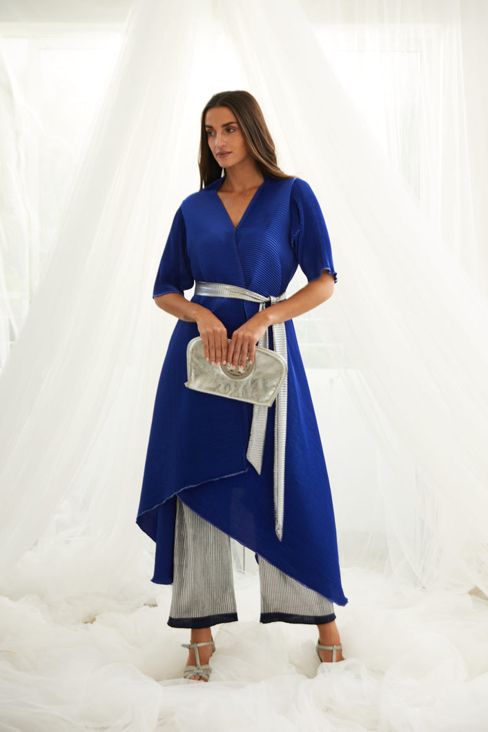 Asymetrical Cape with Metallic Pants and Belt- Blue