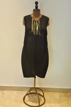 Load image into Gallery viewer, Shift Dress-Black