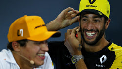 Official: Ricciardo continues his Formula 1 career with McLaren | Simplace
