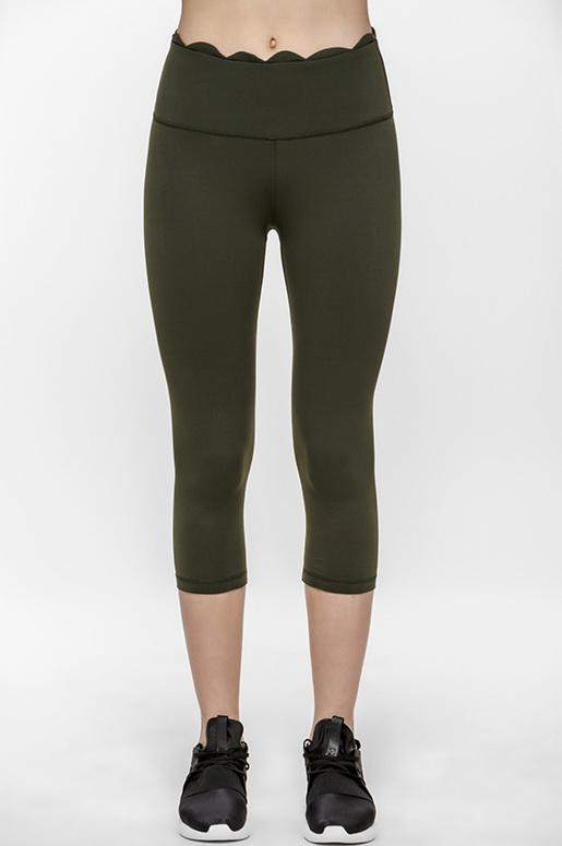 Undulation Cropped Leggings