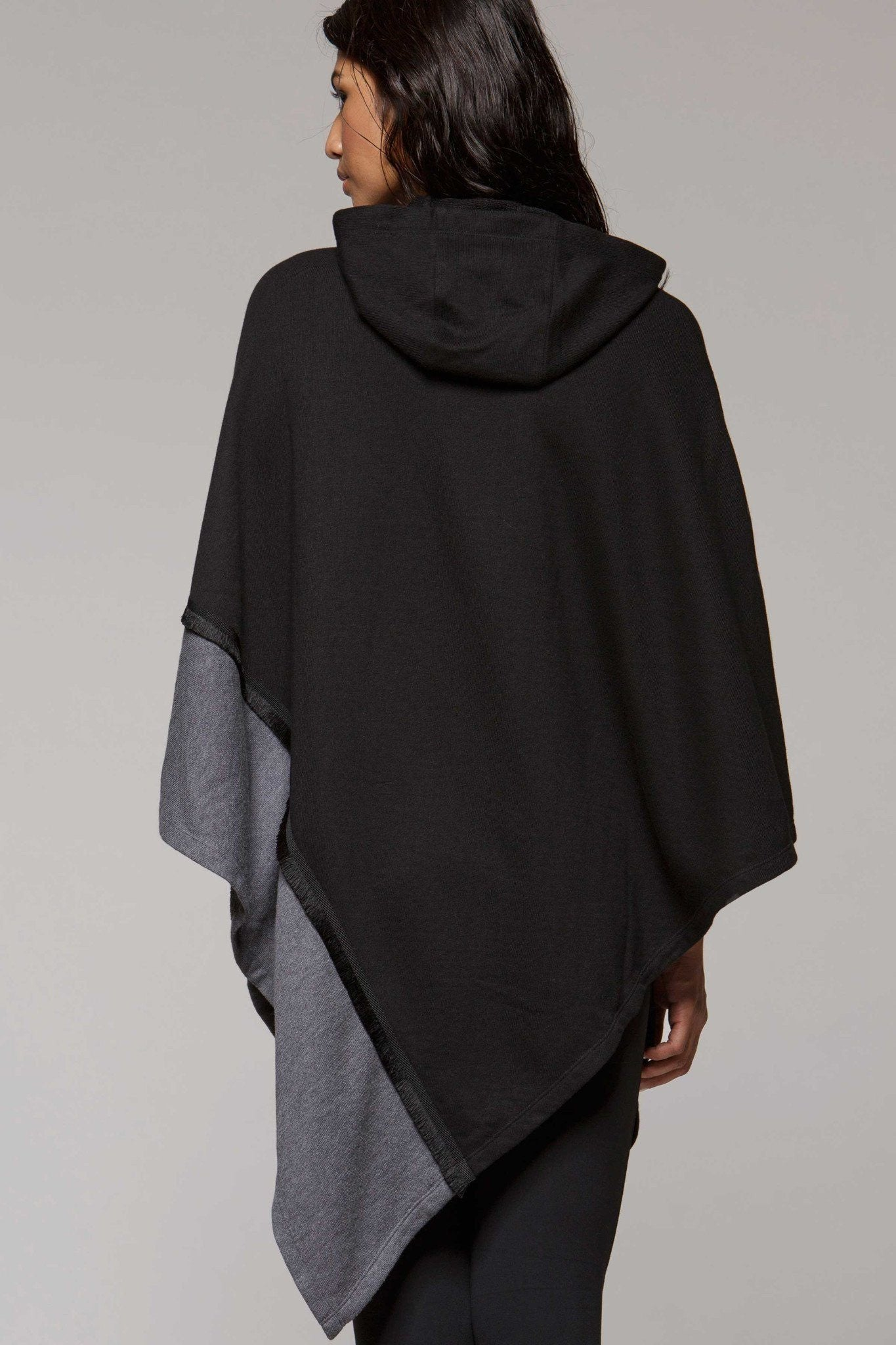 Capa Hooded Poncho