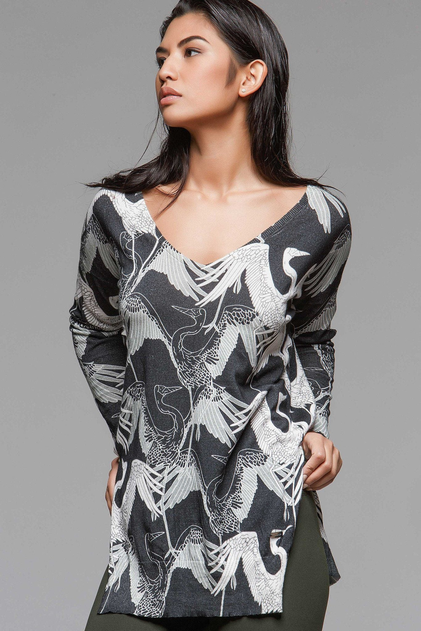 Graphic Deep V Sweater - Stork