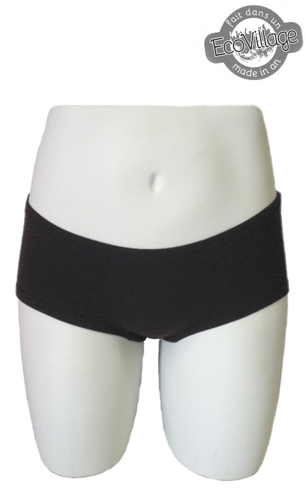 Boyshort style undergarment low rise, manufactured from viscose of bamboo and cotton