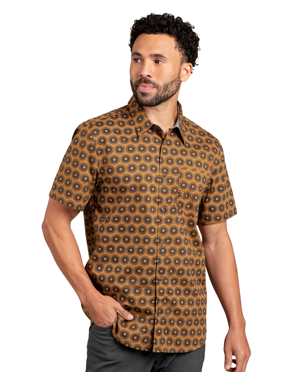 Husk sun print with button own shirt. One front pocket.
