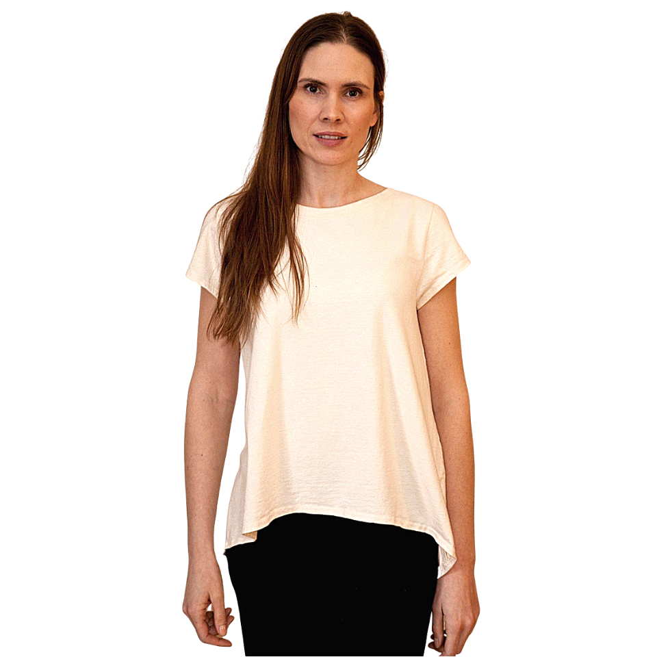 flowy tee shirt with a shorter hem in the front and longer hem in the back with a scoop neck in a natural white