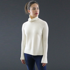 Unwine | Turtleneck w Flare Sleeve
