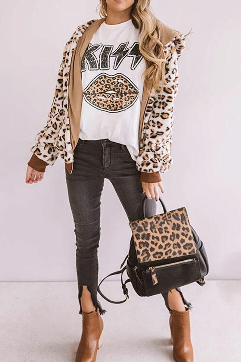 Leopard Lip Printed Round Neck T-Shirt