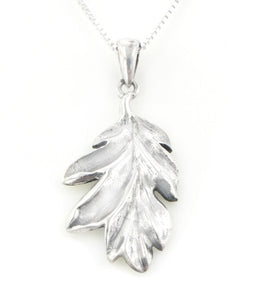 "Secrets of the Wood Sterling Silver Oak Leaf Pendant with 18"" Box Chain Necklace - Silver Insanity"