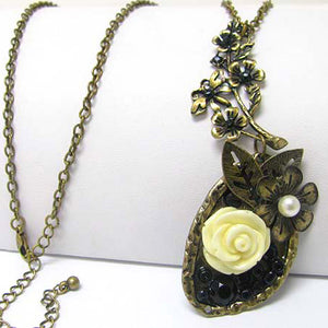 "Vintage Style Flower Pendant with 30"" Adjustable Extra-Long Sweater Necklace - Silver Insanity"