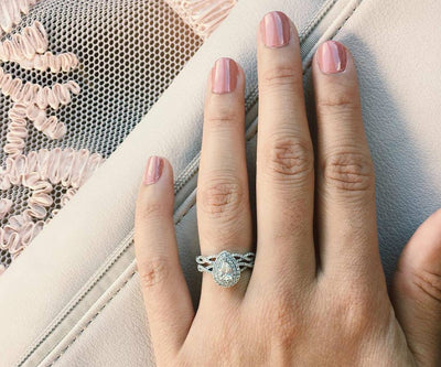 Our Favorite Halo Engagement Rings